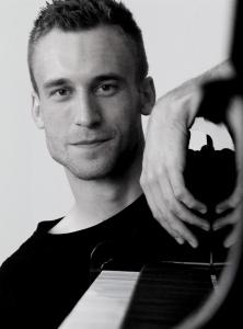 Markus piano2